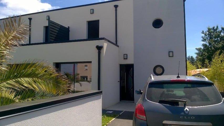 Maison avec jardin, près de Caen et des plages. - Bourguébus - Ev