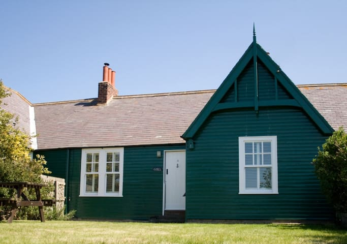 No 4, Armstrong Cottage (Isobel)