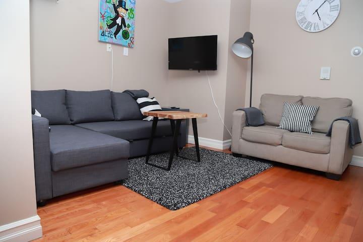 ☆Central Park apartment with Balcony ☆ sleeps 5