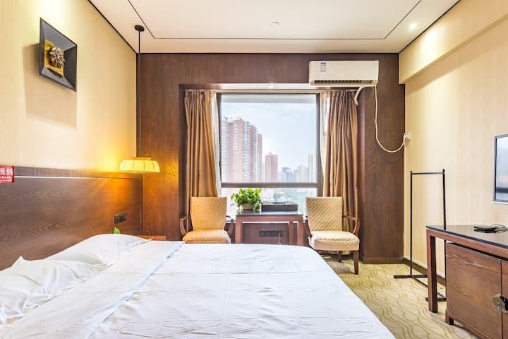 【长安一号】近尚城国际/阳光大床房