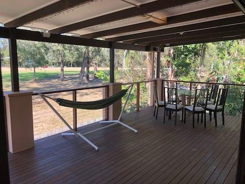 Large bedroom - Balcony onto park
