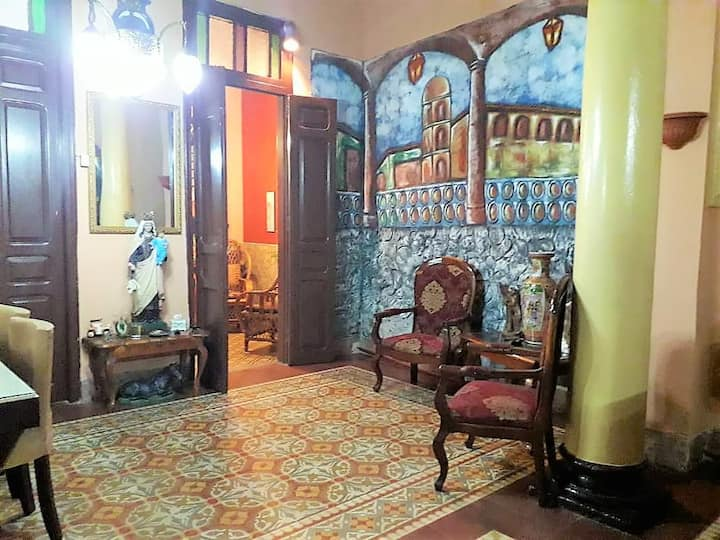 Familiar Suite in Colonial Palace