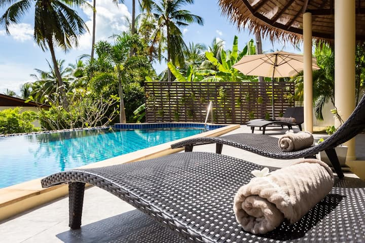 Elegant 3 bd villa with pool & tropical garden