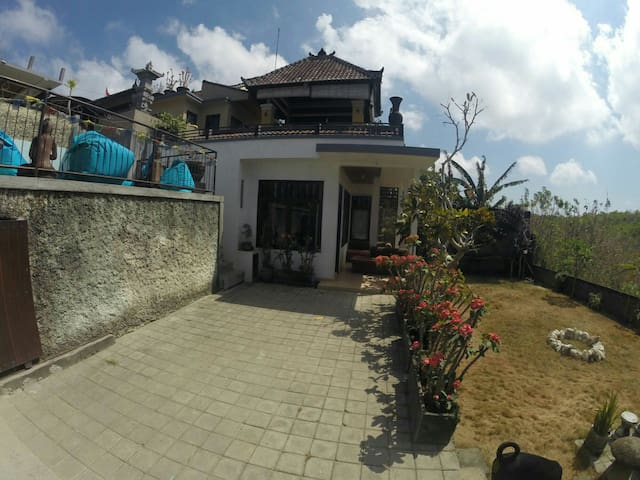 Secluded jungle house with pool - Kuta Selatan - House