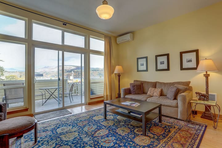 1515 Lincoln - Sweeping view of the mighty Columbia River and Mt Adams!