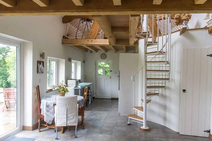 Laharan Cottage