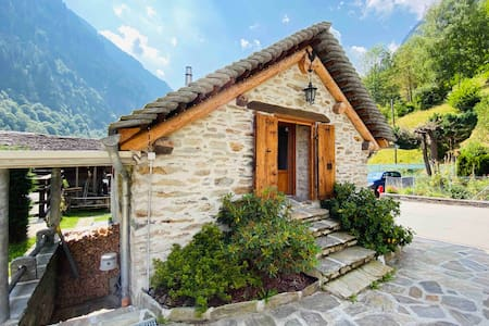Romantic and Rustic Chalet in Augio