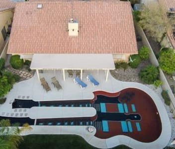 Guitar Pool Casita - Haus