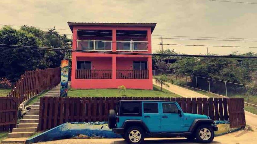 Casa Rosado (Studio B)