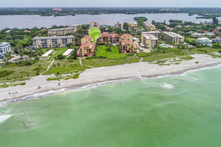 On the sands of Turtle Beach, Updated, WiFi, Heated Indoor/Outdoor Pool, Gulf & Beach Views
