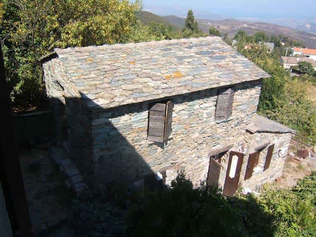 Maison ancienne vue sur golfe de St Florent - Rutali - Hus
