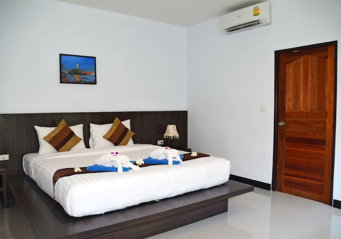 A Lapaya Sea Breeze 3 Roomed Villa  DP93