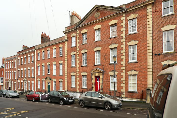 Spacious 2 bed in the heart of Bris - Bristol - Huoneisto