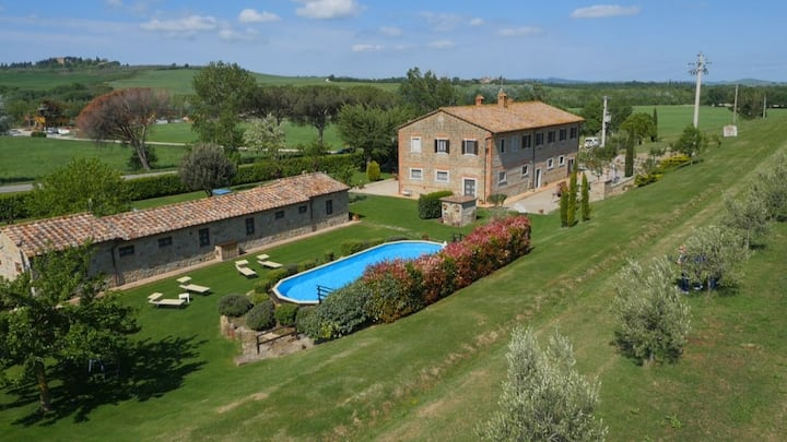 Agriturismo Palazzi del Papa groups and weddings.
