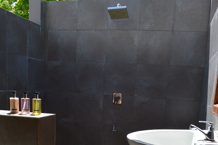 Bedroom 2 - Attached bathroom with outdoor shower