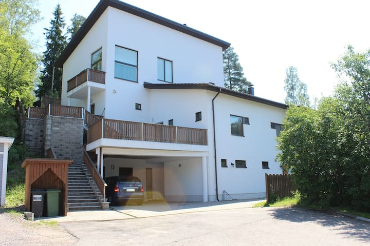 Peaceful and bright apartment in the duplex house. - Vantaa - Townhouse