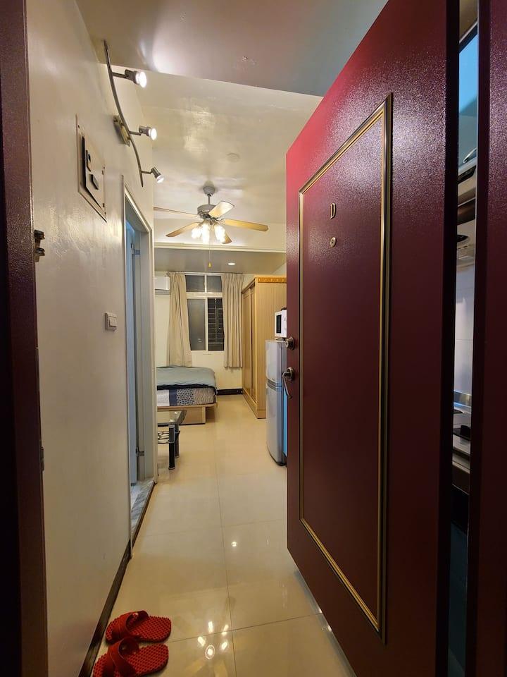新北市新莊區中正路871巷5樓D室無電梯公寓分租套房(兩分七套房T-studios)