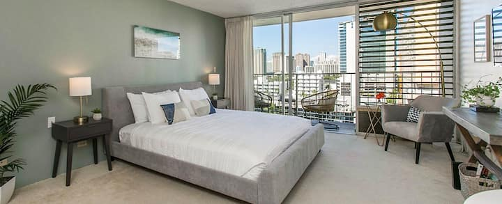 F-MS **LOCATION in Waikiki - KING bed-FREE pkg*