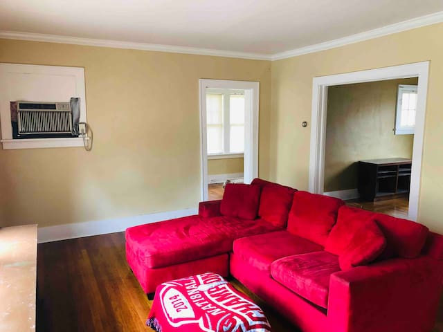 Furnished Apartment near Franciscan Univ and Pitt
