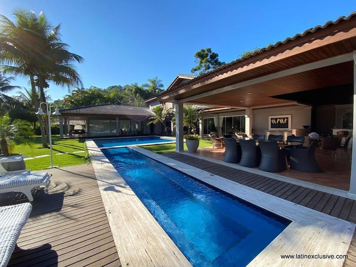 Ang009 - Magnificent 6 bedroom house in Angra dos Reis