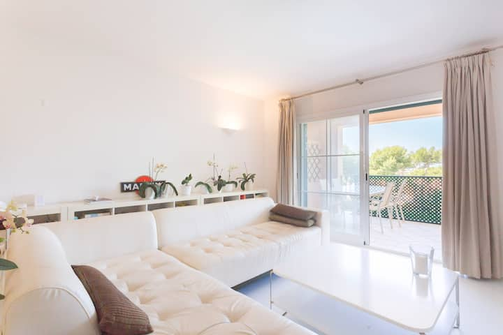 COMFORTABLE APARTMENT WITH POOL,GARDENS &SEA VIEWS
