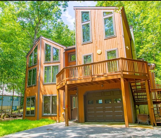 Exquisite HOME Away From HOME In Poconos !!!!