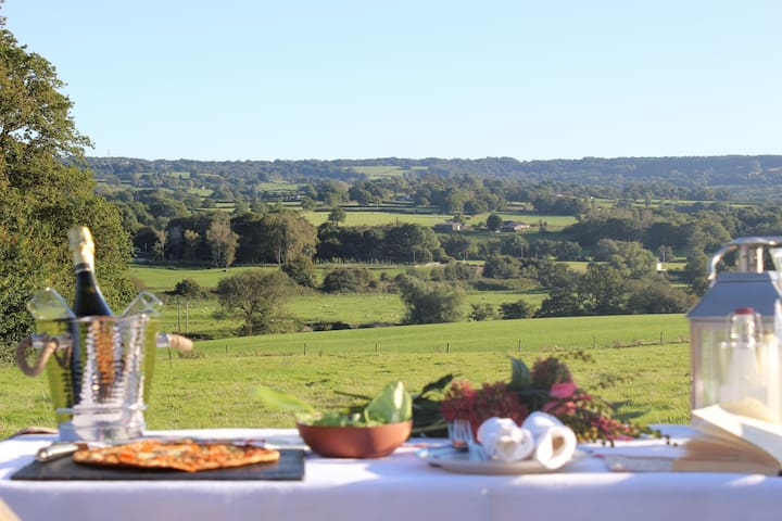 Lower Keats Glamping Safari Lodge 2 Sleeps 6 - Axminster - Tent