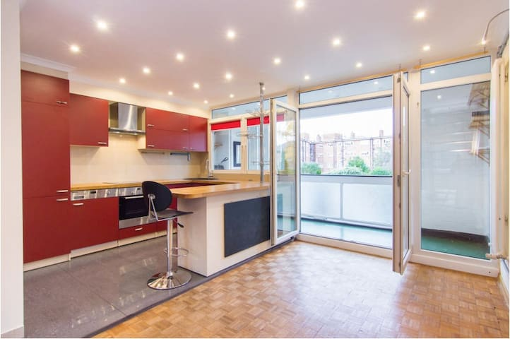 Magnificent 3 Bed Townhouse in SW London - Surbiton - Rumah
