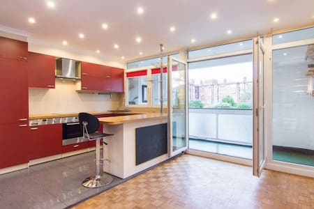 Magnificent 3 Bed Townhouse in SW London - Surbiton
