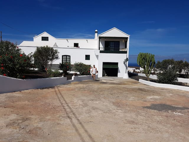 Casa rustica.Calderones N1.