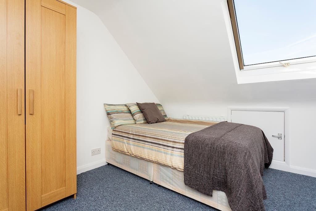 Spacious Ensuite Double Room