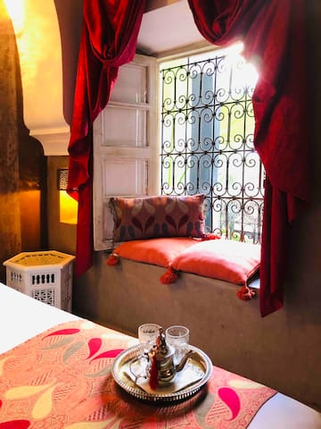 Recently redecorated Moroccan Room (Sleeps 2) - Located on the 1st Level with balcony at your door overlooking the courtyard below. Room has aircon & heating.