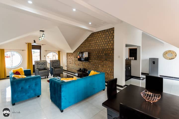 Oweitu Penthouse Bugolobi