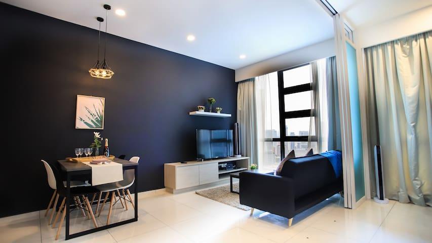 KL City&Bukit Bintang Suite + Sky Jacuzzi