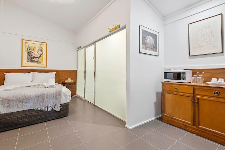 Bodkin Cottage - Room 2