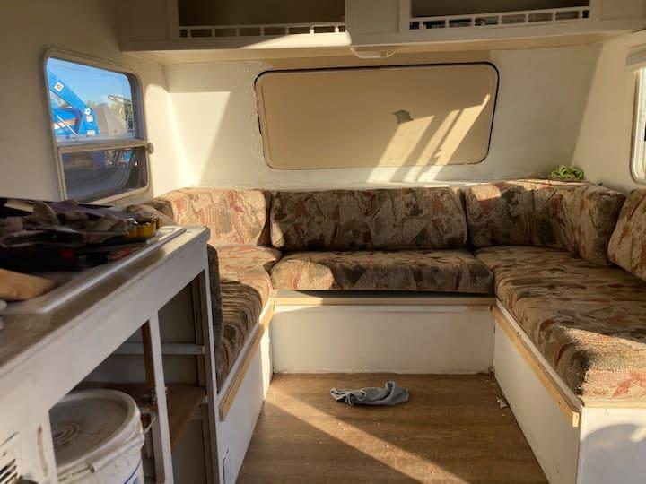 Cozy tiny home & off grid living