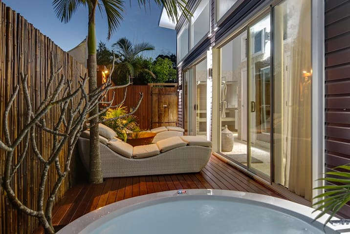 BATHHOUSE 2 BEDROOM SPA APPT - BYRON HINTERLAND