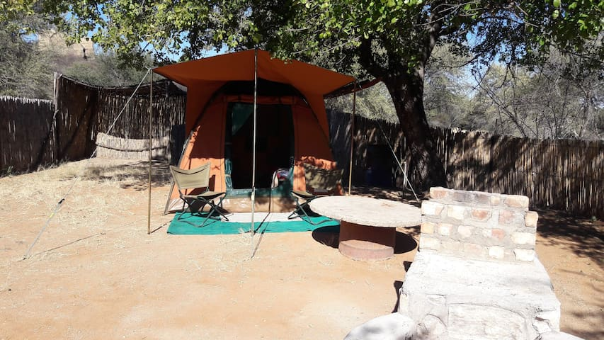 BaseCamp Namibia, Tentet Camp, Outjo