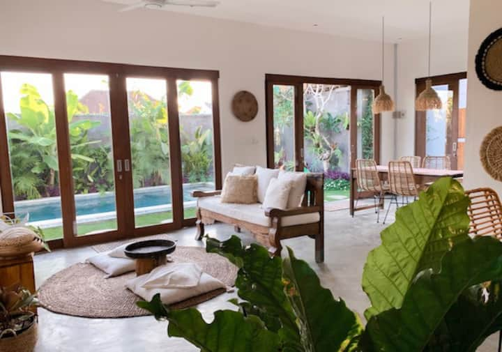 Stylish 2 bedroom villa in the heart of Canggu