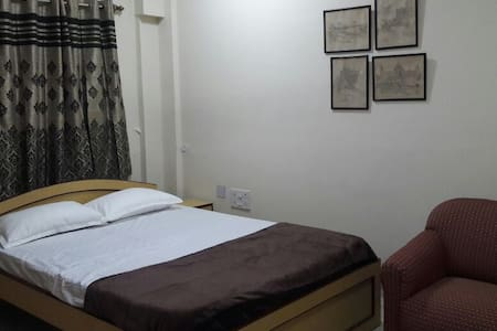 Cosy Room with AC ,TV,WIFI @ heart of Kolkata - Kolkata - Appartement