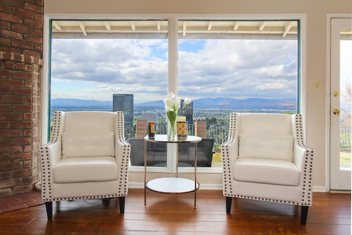 Hollywood Hills House Panoramic views (COVID)promo
