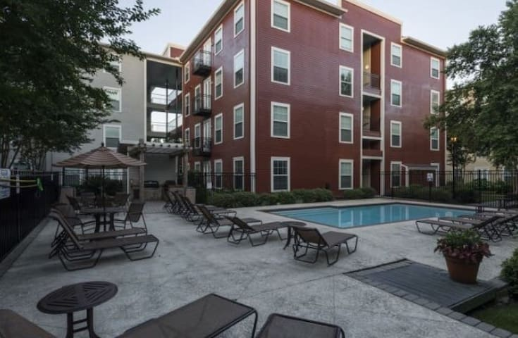 Awesome Lower Garden Apartment- Close to it all! - Nova Orleans - Apartamento
