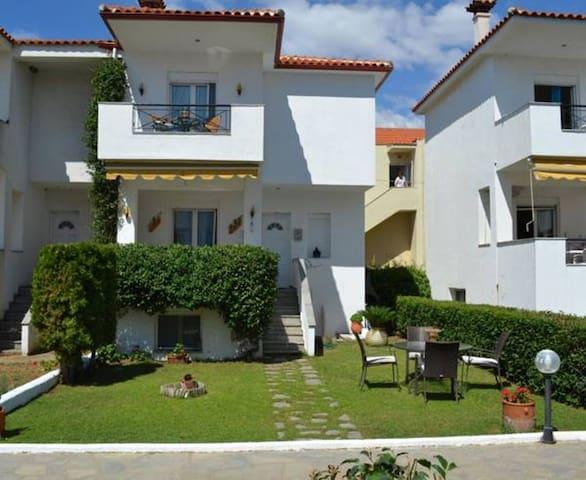 Sunnyside-Evmorfes Villas