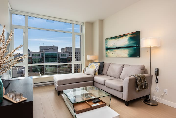 Living room where you can enjoy the scenic views of the city, mountain or ocean glimpses.