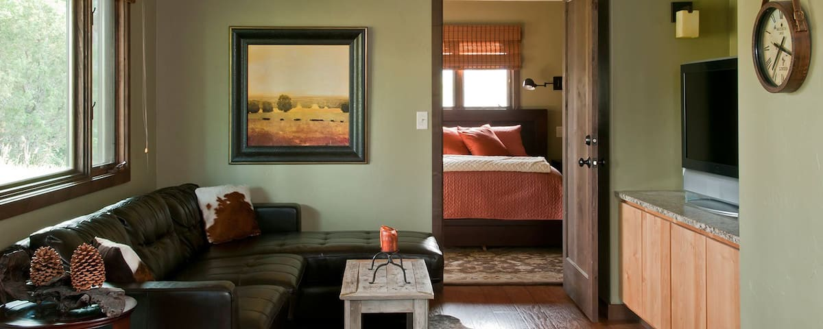 Luxury Cutbow Suite on the Yellowstone River - Emigrant - Casa