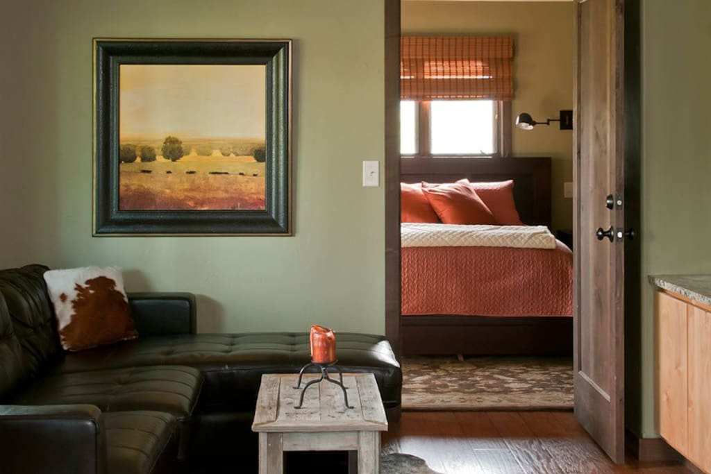 Gorgeous and comfortable. Relax on your deck while the Yellowstone River dances along right outside.