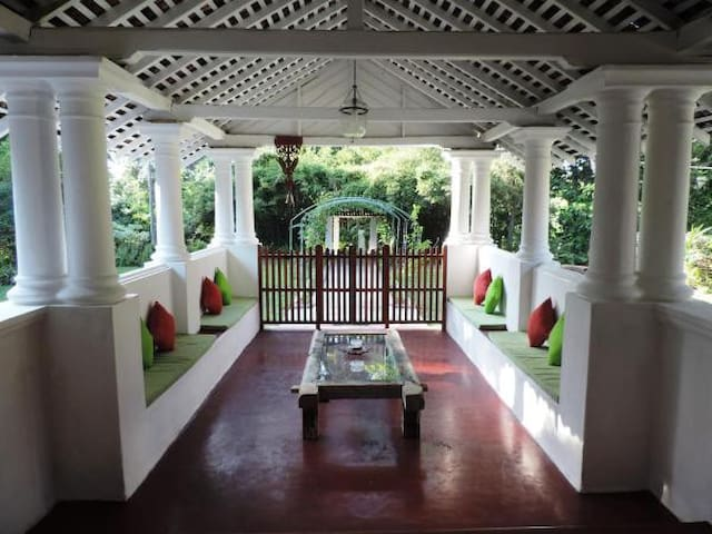 Budget Double Room - Inland Villa