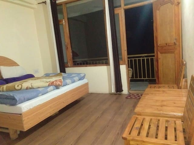 Jibhi Inn Cottage (A Home Stay Unit)