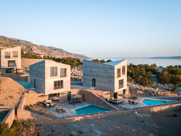 Luxury villa Rock - with private pool and beach