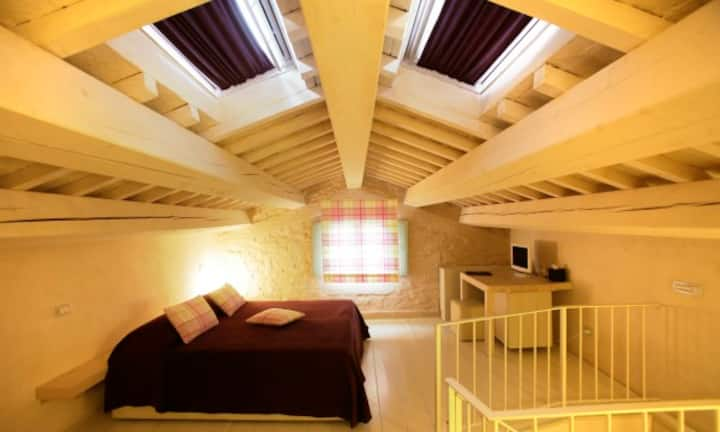 Charming Classic Double Room in Urbino Resort